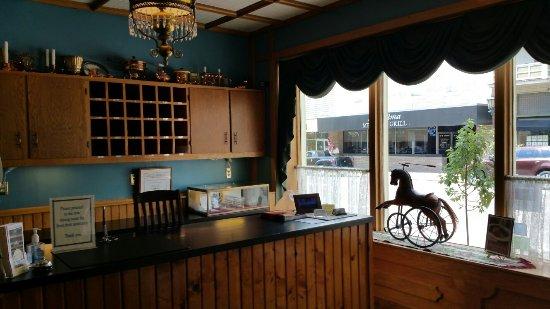 Millersburg hotel restaurant