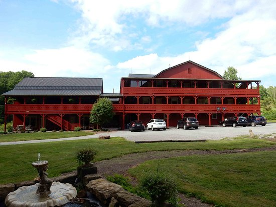 The barn inn millersburg ohio