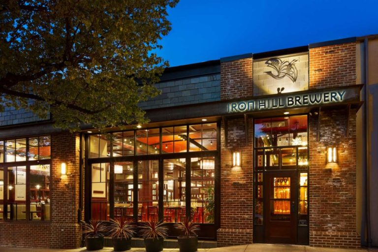 Places to eat in chestnut hill