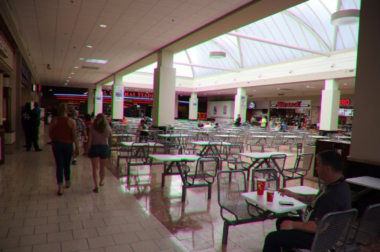 Watertown mall restaurants